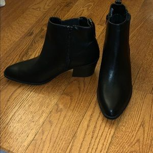 NWOT Express ankle boots